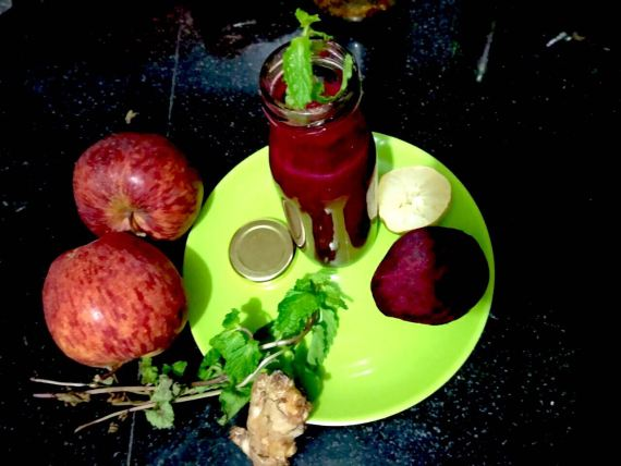 Apple-Beetroot-Carrot Detox Juice