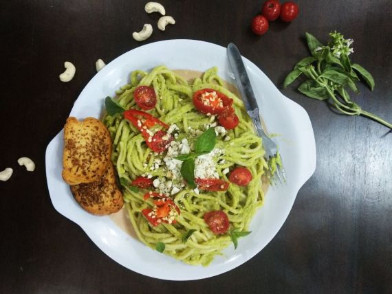 Avocado Cashew Pesto Pasta